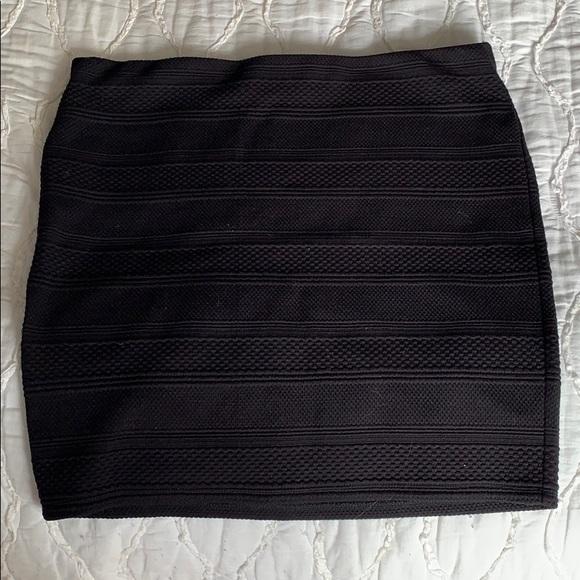 LOFT Dresses & Skirts - Textured pencil skirt